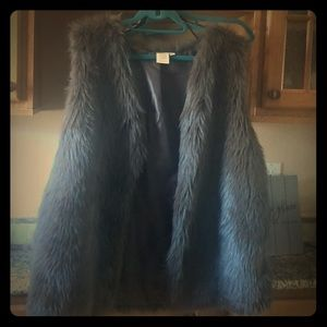 Gray fur vest 3x